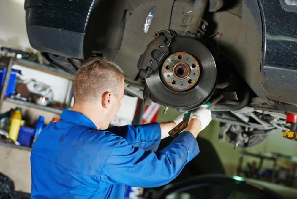 brake repair mechanic working san antonio tx